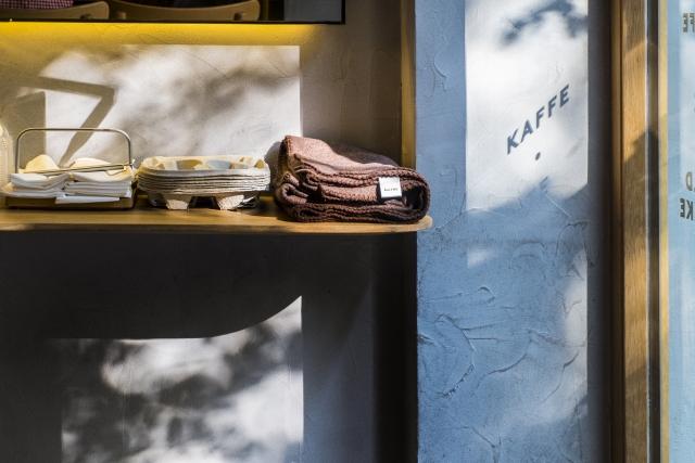 東京都内の英会話カフェ一覧、サービス内容や料金、営業時間の基本情報まとめ