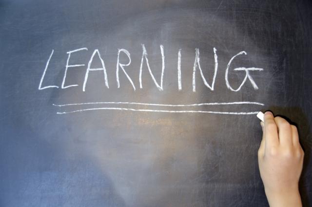 DMM英会話の教材でおすすめなもの8選!教材を選ぶときのコツやポイントとは?