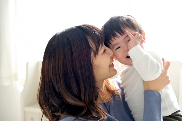 オンライン英会話と英会話教室の違い、うちの子に合うのはどっち?